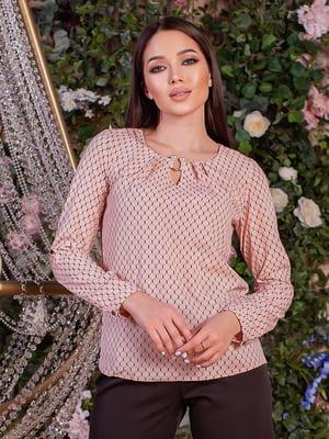 Блуза пудрового цвета в узор   5733662