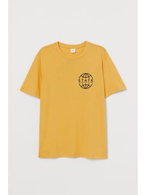 Футболка желтая с принтом | 5744988
