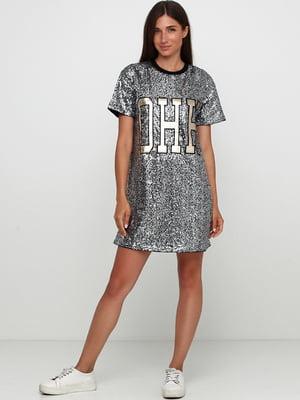 Платье серебристого цвета с принтом | 5744601