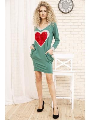 Платье зеленое с аппликацией   5749671