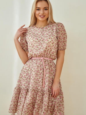 Сукня пудрового кольору в принт | 5756696