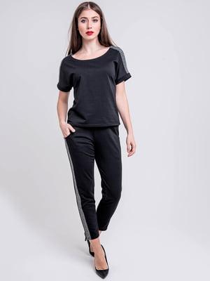 Спортивный костюм: футболка и брюки | 5772616