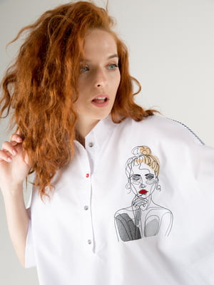 Блуза-туника белая с рисунком   5776853