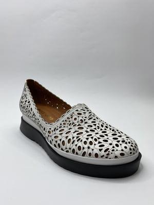Туфлі білі з перфорацією | 5779784
