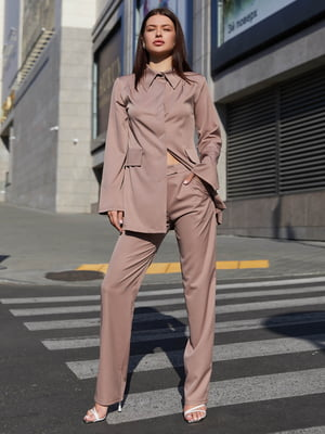 Костюм брючный бежевый: блуза и брюки   5866803