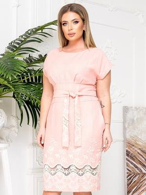 Сукня-футляр кольору пудри з візерунком | 5867075
