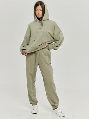 Костюм оливкового цвета: худи и брюки   5872520