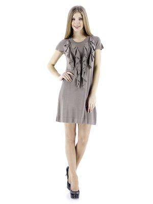 Платье цвета фанго с воланами   72010