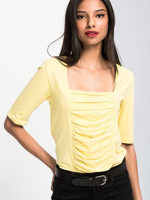Футболка жовта Cool&Sexy 3828436