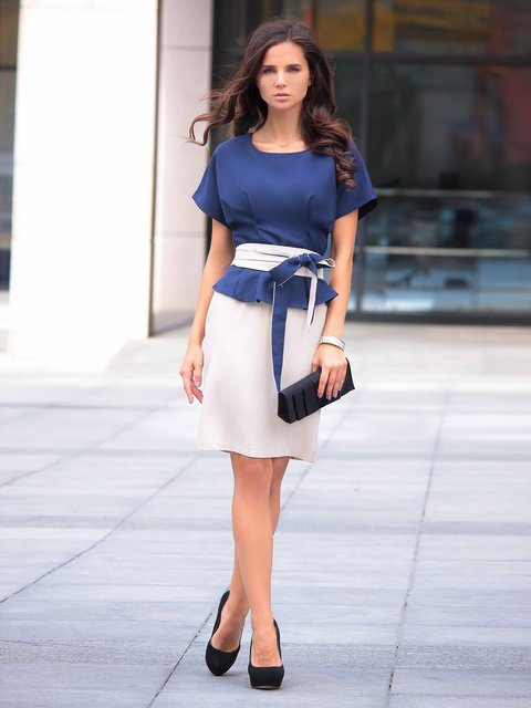 Платье бежево-синее Rebecca Tatti 3191283