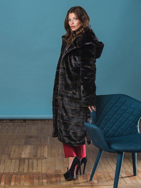 Шуба шоколадного цвета Grand Furs 3946465