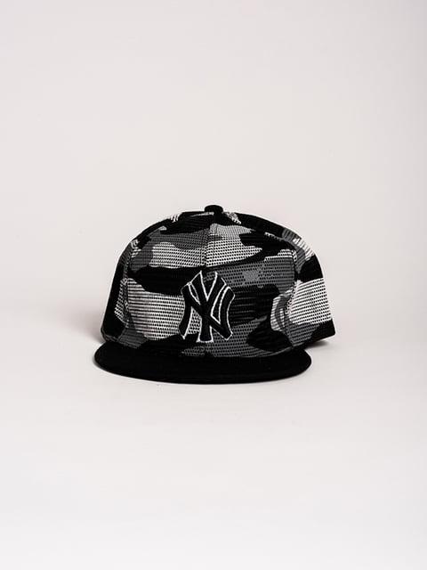 Бейсболка черная в принт Magnet 4298653