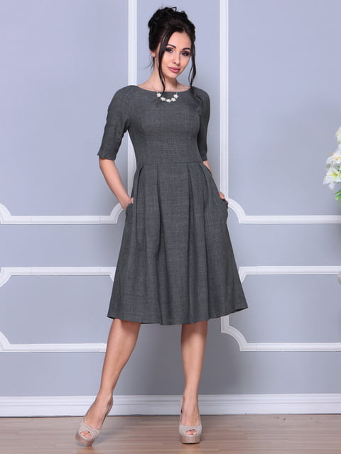 Платье графитового цвета Laura Bettini 4619363