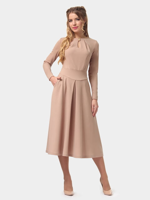 Платье песочного цвета LILA KASS 4775672