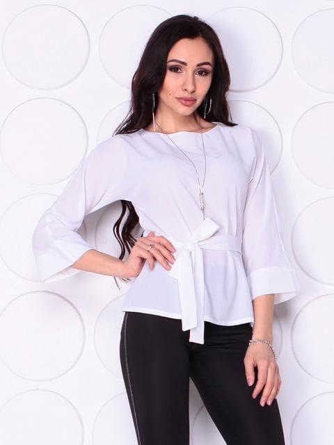 Блуза белого цвета с поясом Laura Bettini 5010388