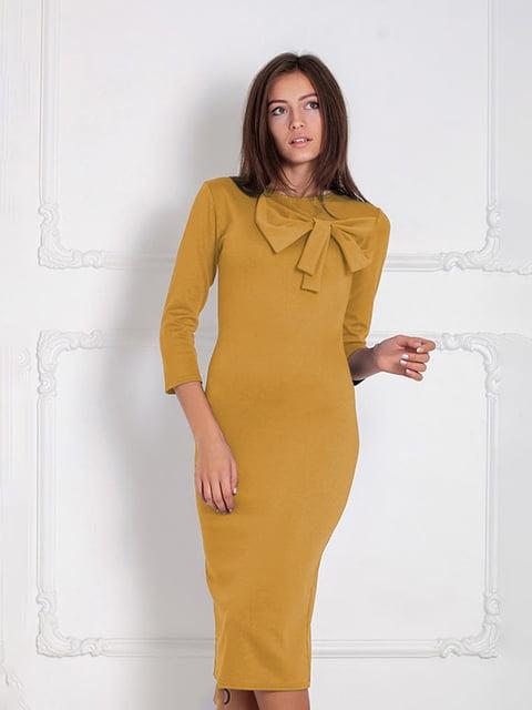 Платье горчичного цвета Podium 5035662