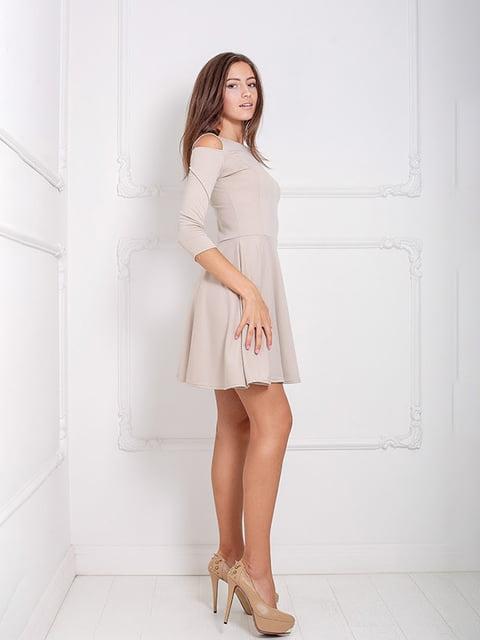 Платье бежевое Podium 5036898