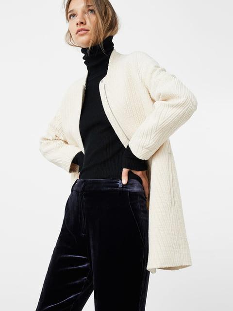 Пальто молочного цвета Mango 5047456