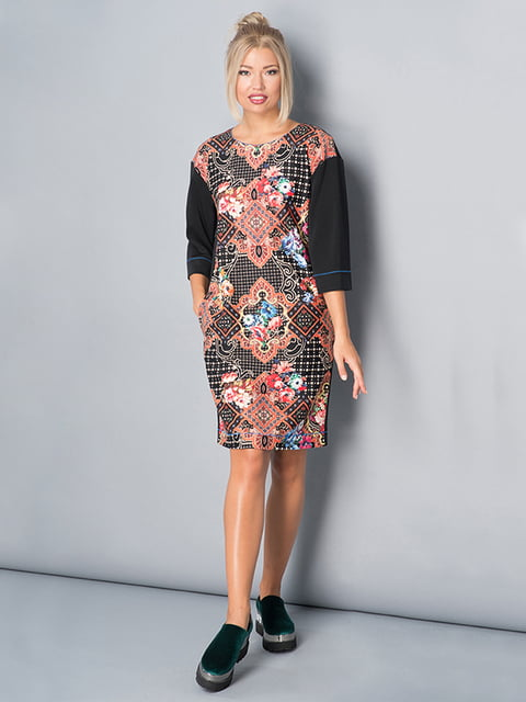 Платье черное в принт Lesya 4973720