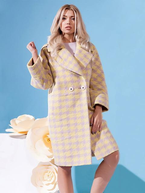 Пальто желтое в гусиную лапку Lesya 5120694