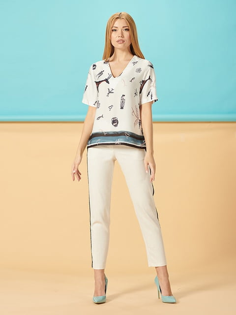 Блуза молочная в принт Lesya 5115780